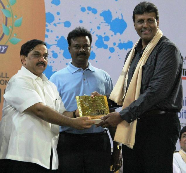 Dilip Gurumurthy (extreme right)