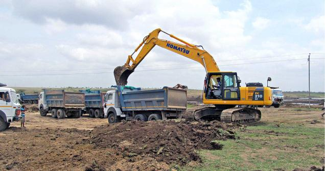 Dredging of Bhutanal tank under way near Vijayapura.—Photo: Rajendra Singh Hajeri