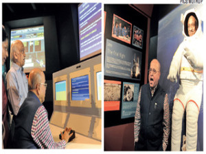 Former ISRO Chairman K Kasturirangan and incumbent  A S Kiran Kumar at the gallery