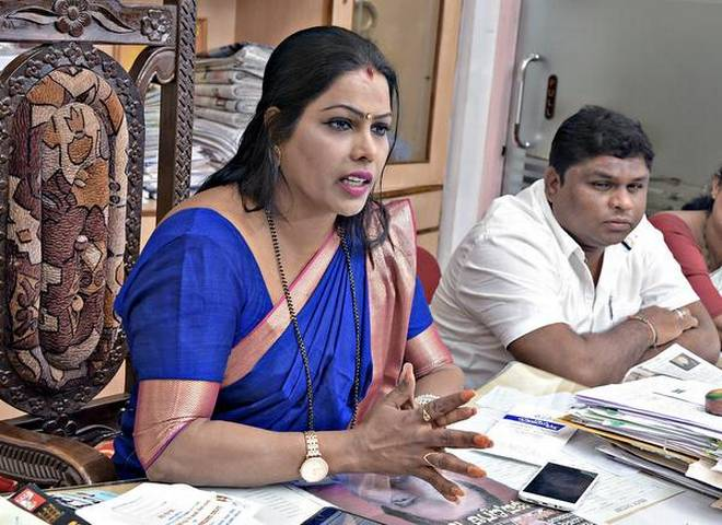 Mayor Kavita Sanil addressing a press conference at the Mangaluru City Corporation on Tuesday.