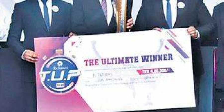 Jinit Dharia, Mit Parekh and Yash Parekh also won a cash prize of `4.5L